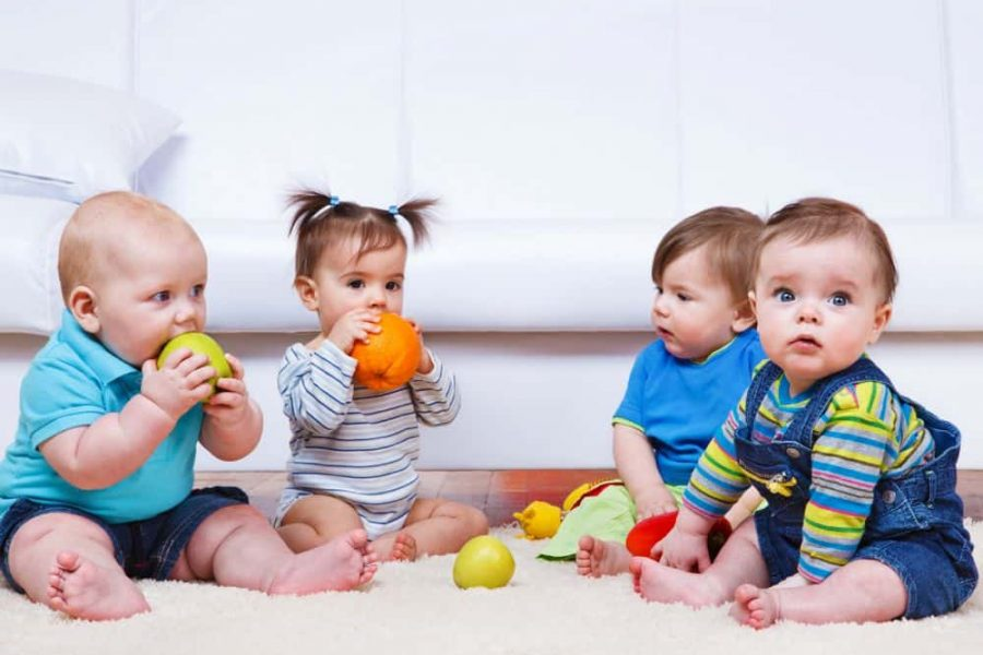 When-Do-Babies-Play-With-Toys-1-1